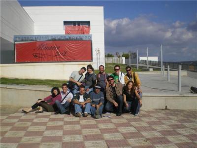 Foto delante del Teatro Municipal de Montoro